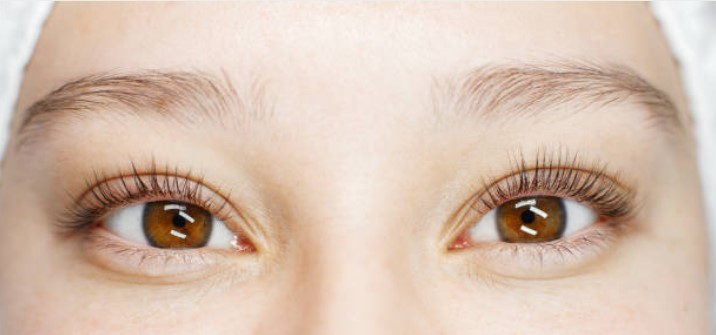 eyes with lash lift and tint
